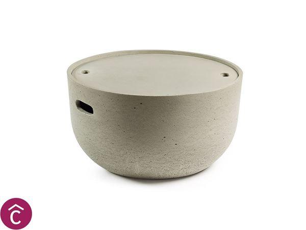Tavolino in cemento con pieno rimovibile