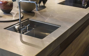 Top in Gres Neolith